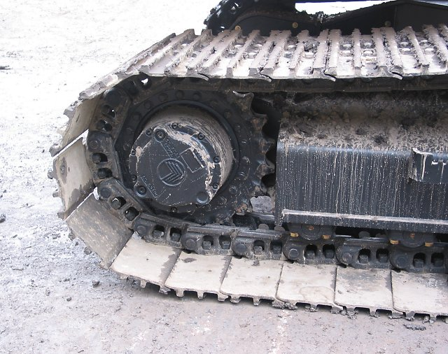 Jcb js220 excavator lego model for Hydraulic track drive motor